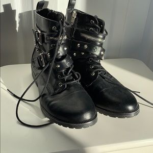 Mossimo combat boots 6 1/2